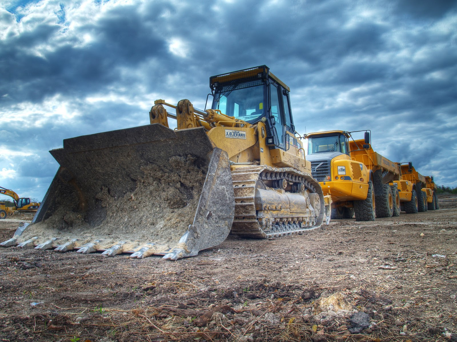 Workhorse-Equipment-for-Any-Construction-Yard | BIPTel